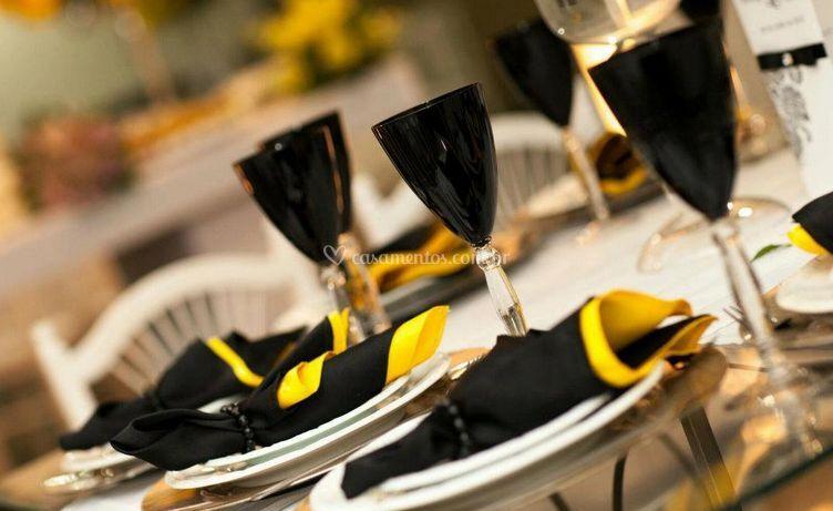 Um dos nossos diferenciais é a variedade de forração de mesas e guardanapos