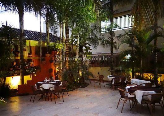 Le jardin buffet restaurante for Restaurante jardin