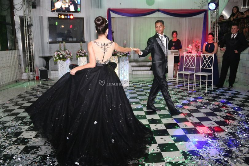 Pista de dança espaçosa