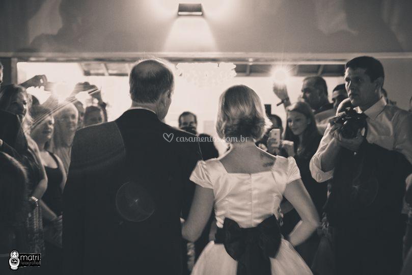 Entrada da noiva emocionante