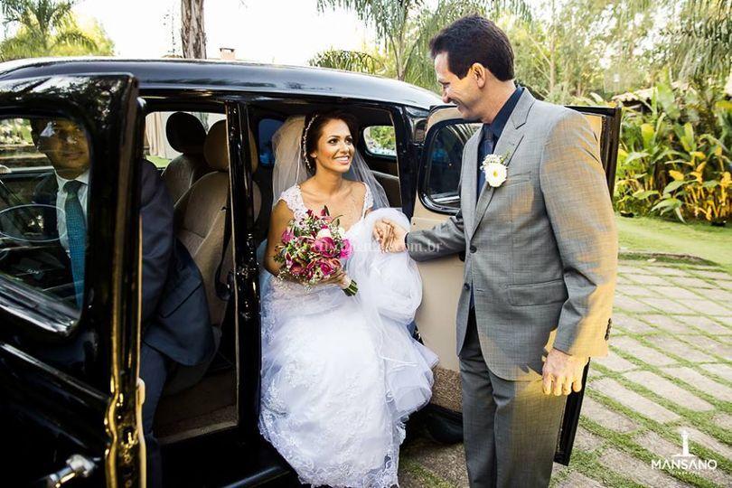 Pai recebendo a noiva