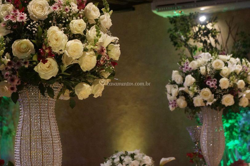 Flores branca e marsalla