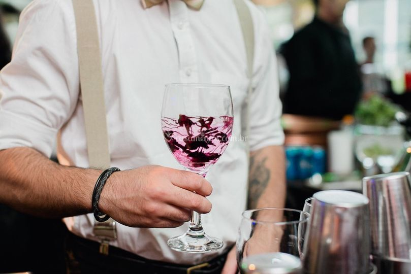 Gin Tônica com Hibisco