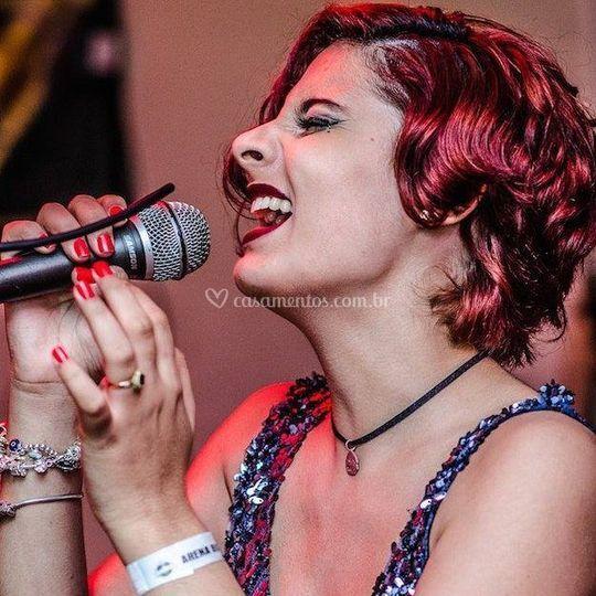 Gabi Barreto, vocal