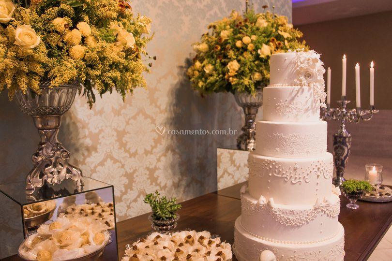 Mesa do bolo.
