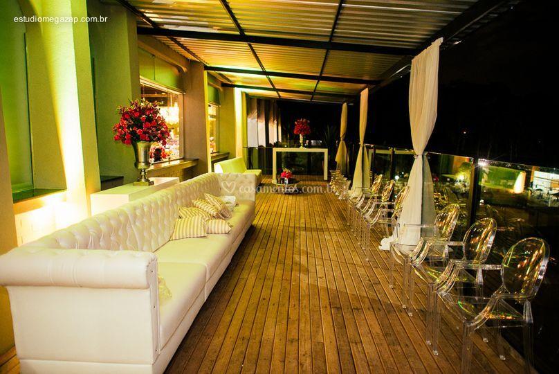 Deck perfeito para lounges