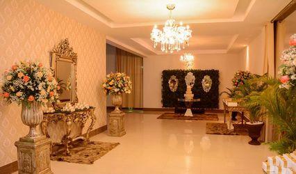 Anny Caroline Designer Floral 1