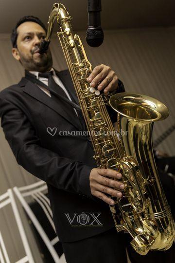 Alexandre Nunes: Saxofone.