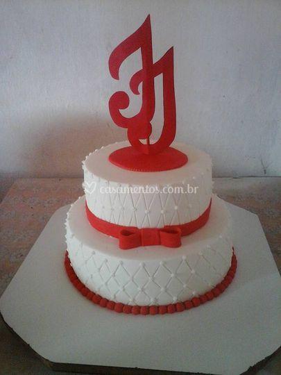 Bolo estilizado red e white