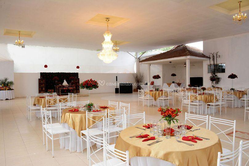 Salão Colibri- decoração doura