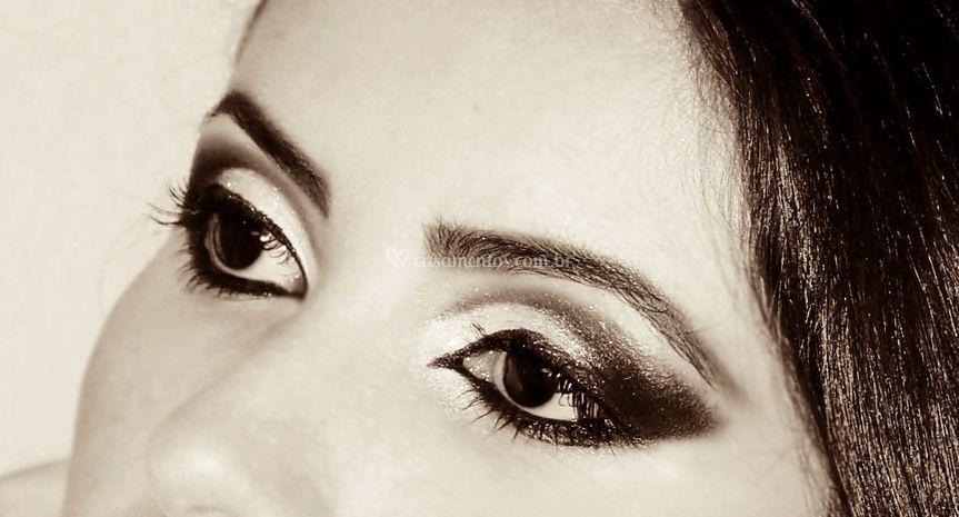 Olhos marcados