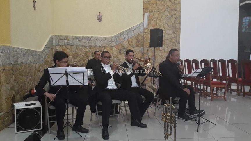 Formação com cinco músicos