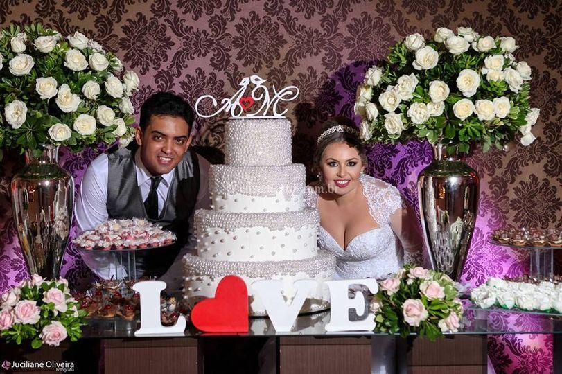 Mesas doces com noivos