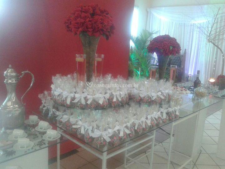 Mesa doces e lembrancinhas