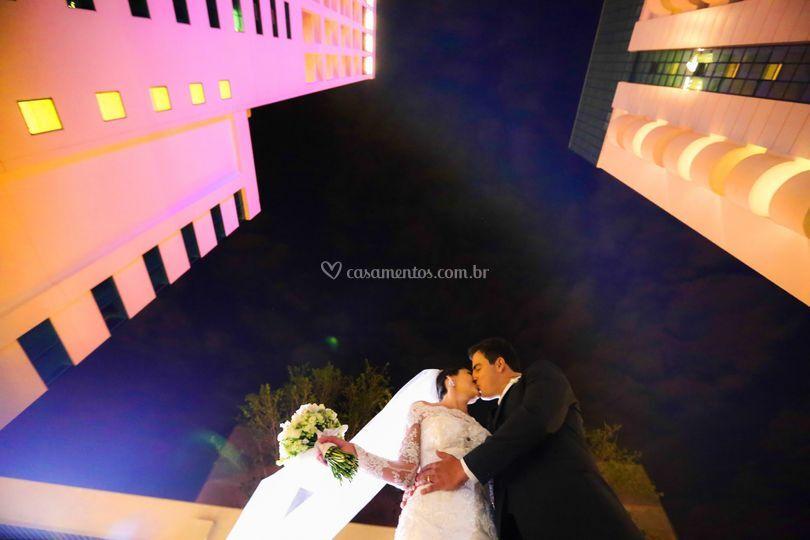 Foto debaixo dos noivos