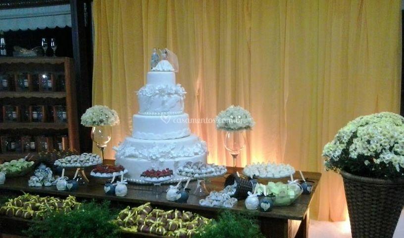 Mesa do bolo decoração rústica