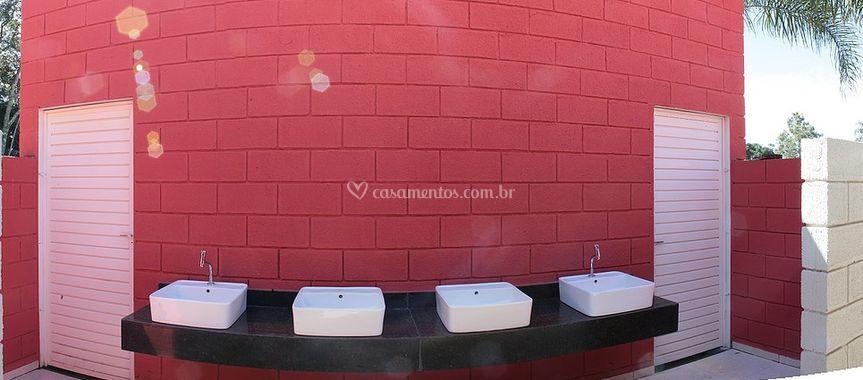 Entrada dos banheiros