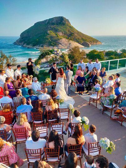 Cerimônia de frente ao mar