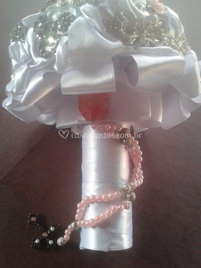 Buquê cor de rosa e pérolas