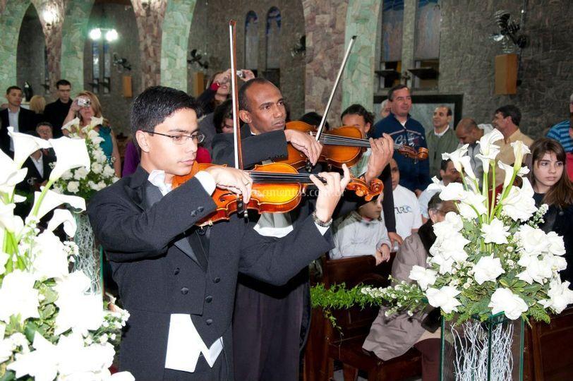 Cortejo dos violinistas
