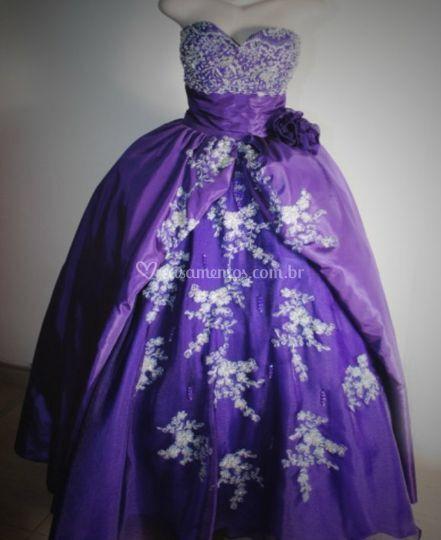 Vestido de Tafetá Roxo