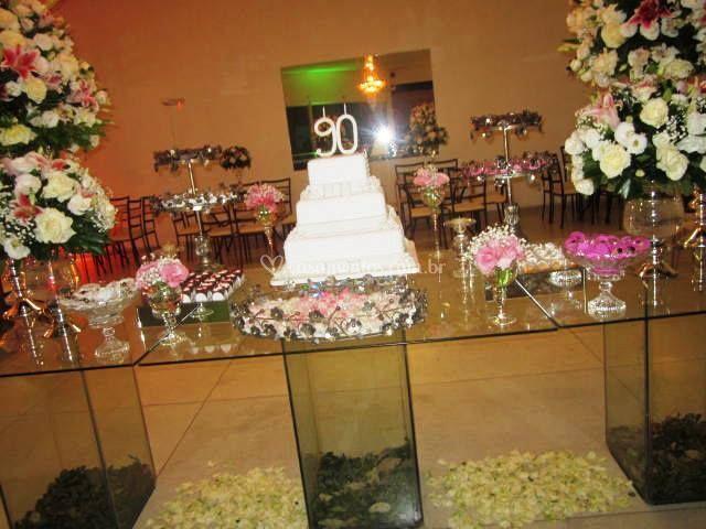Festa 90 anos mesa bolo
