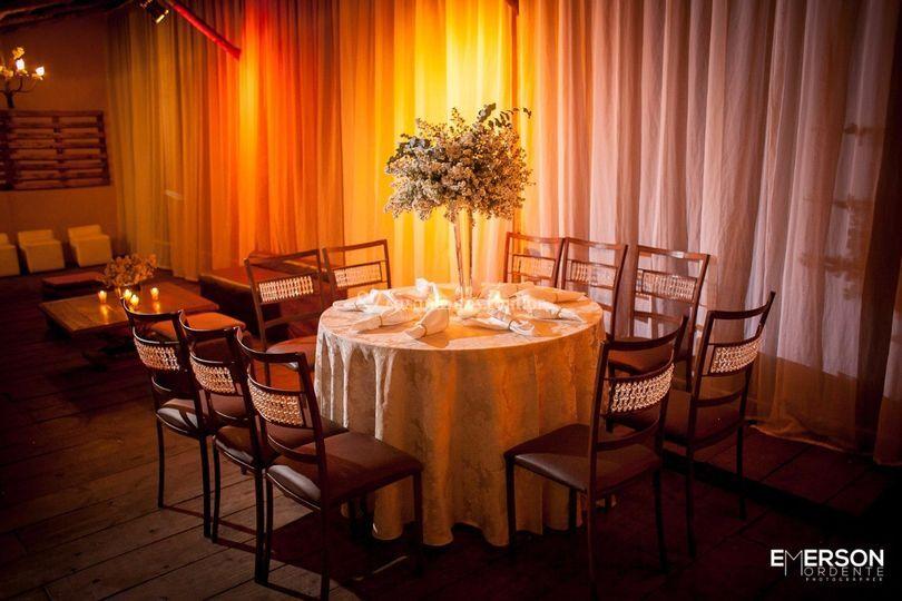 Mesa com guardanapos