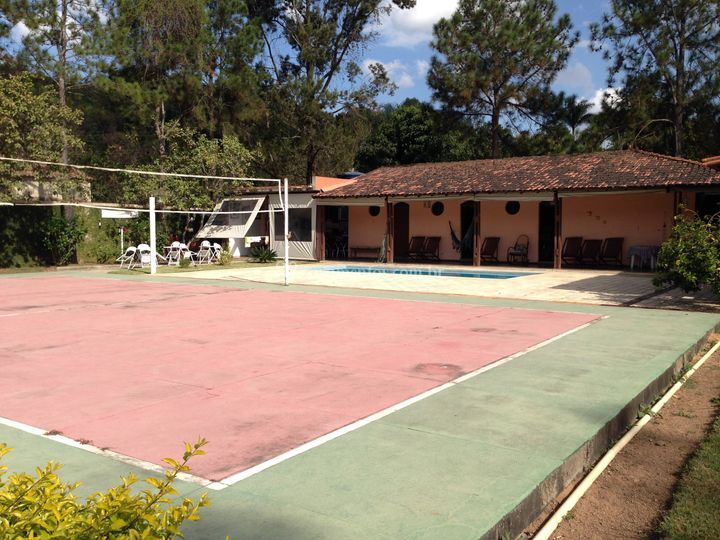 Casa, piscina e quadra
