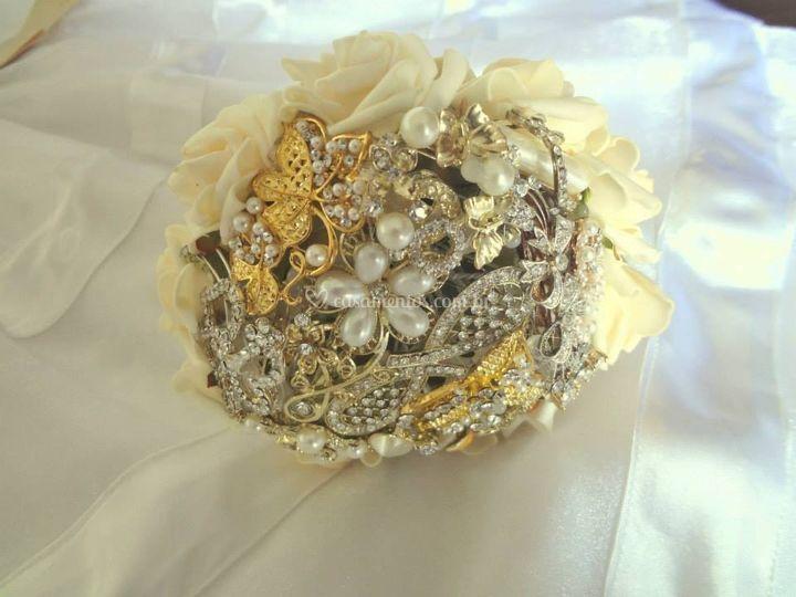 Mini Bouquet de broches dourado