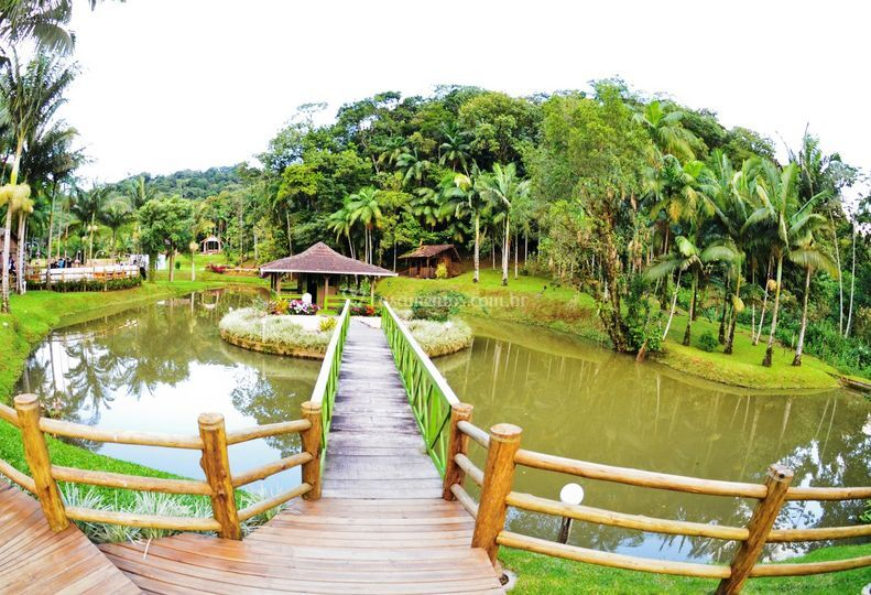 Ponte para acesso à ilha