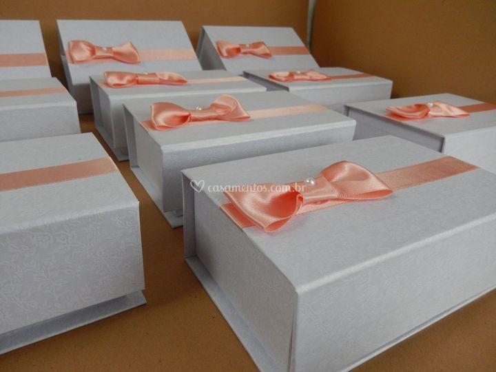 Caixa cartonada tamanho 10x15