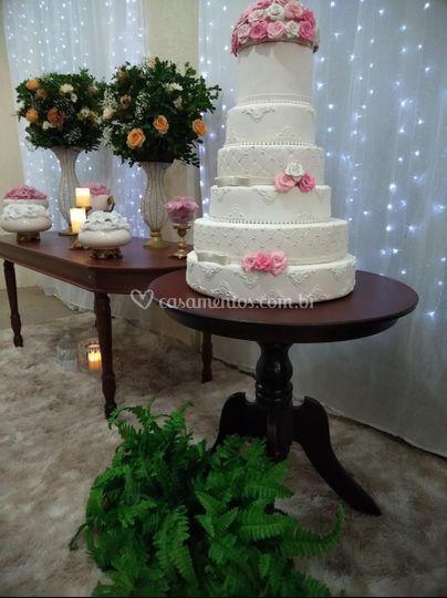 Locação de bolo fake