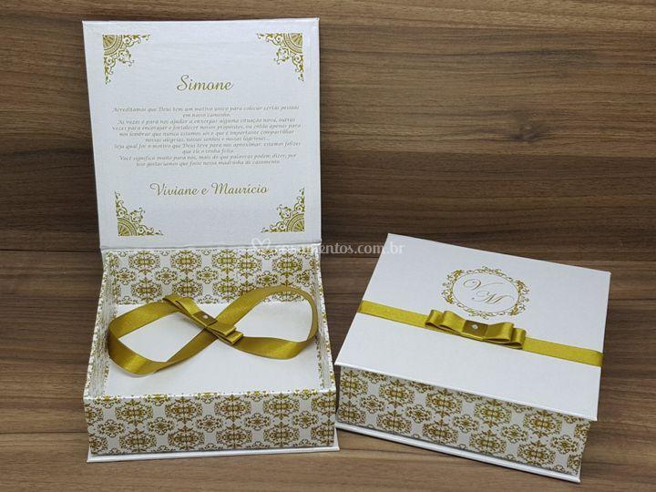 Caixa Padrinhos Dourada