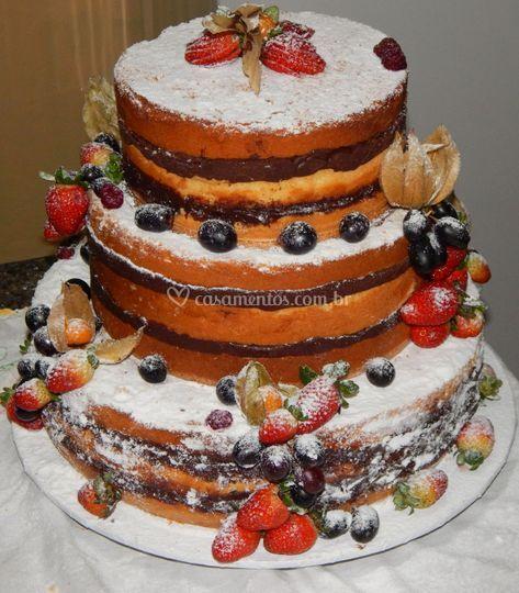 Naked cake ( bolo pelado)