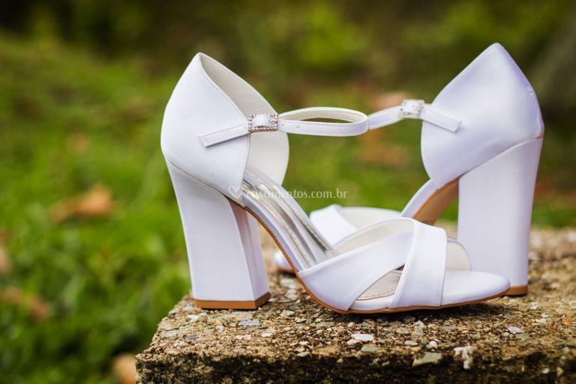 Sandália de salto bloco