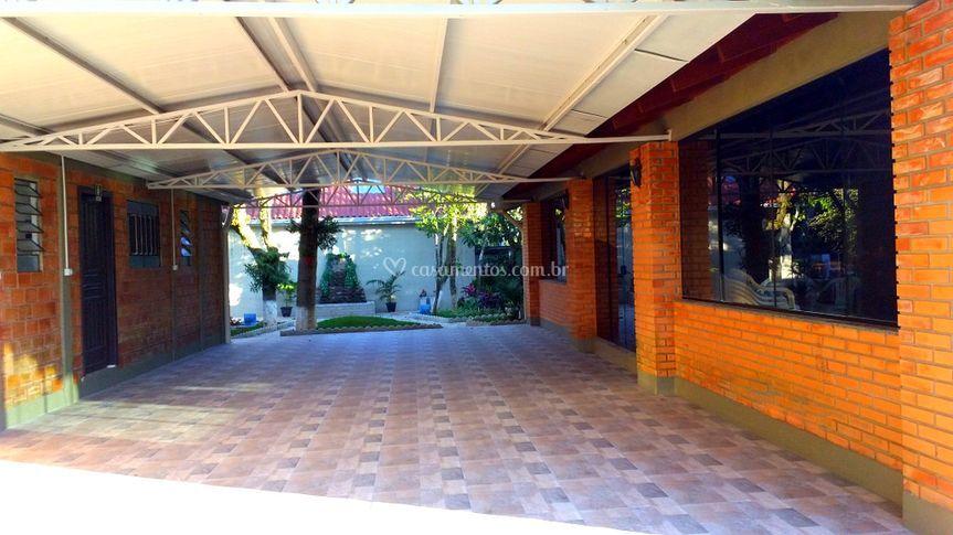 Extensão do salão 80 m2