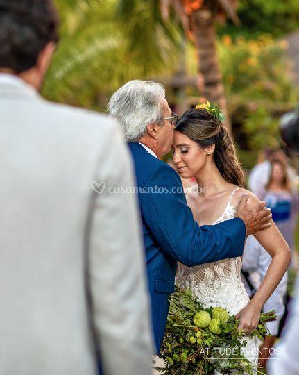 Entrega da noiva no altar