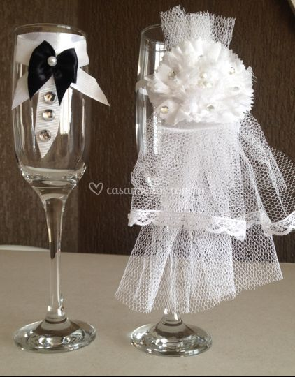 Taças para o brinde noivos