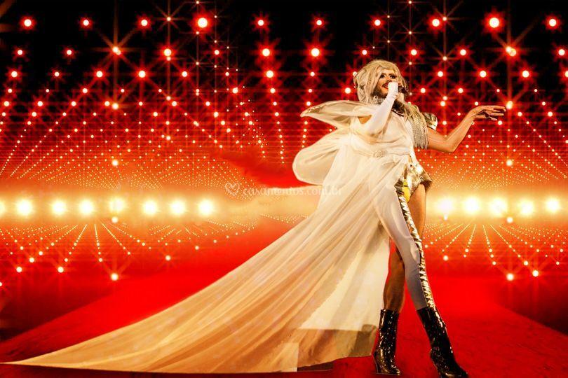 Drag Queen Larissa Hollywood