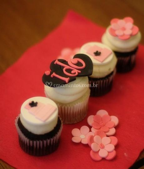 """Cupcakes """"i do"""""""