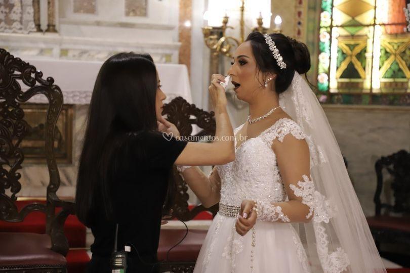 Cuidando da noiva!
