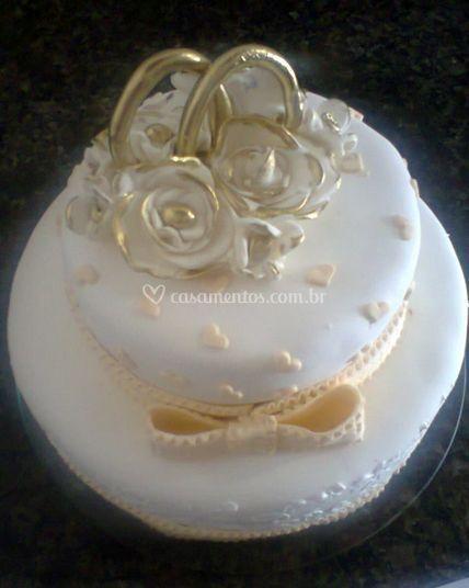 Decorado com rosas brancas