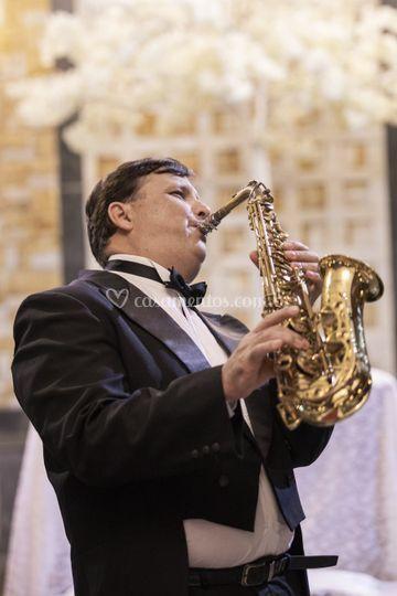 Saxofone na recepção.