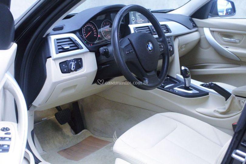 BMW 320i Prata