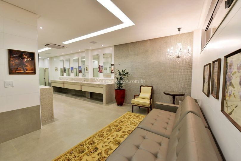 Luxuoso banheiro feminino
