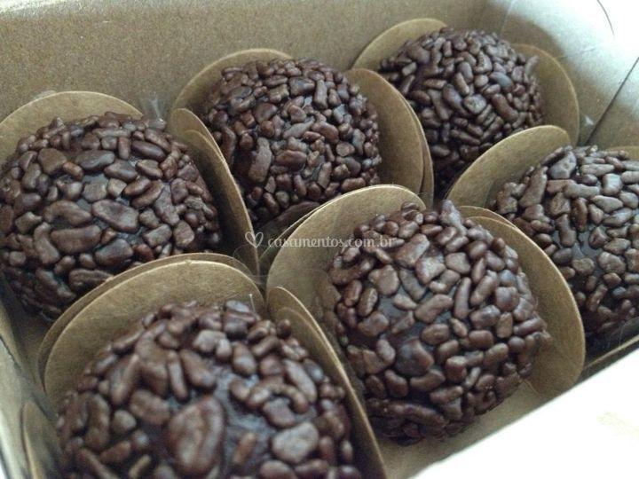 Fina Trufa Chocolates