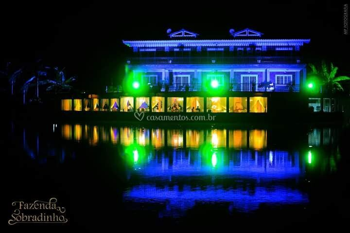 Iluminação do salão do lago