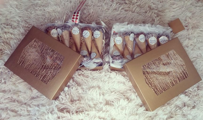 Kit padrinhos com 10 cones