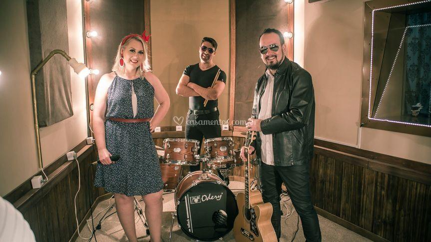 Trio com percussão
