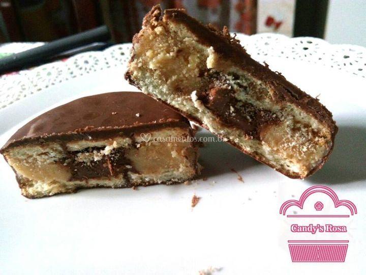 Alfajor Ninho com Nutella.